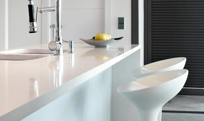7 motivos para instalar una encimera silestone marbres for Encimeras de cocina silestone